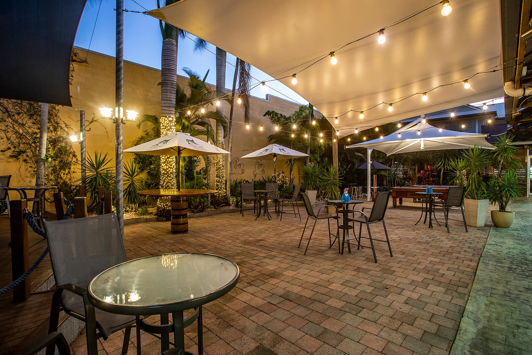 The Golden Gecko Hotel beer garden