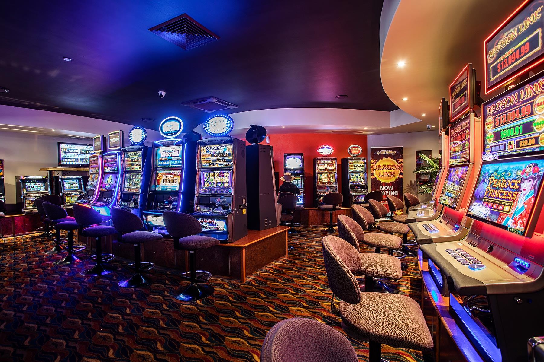 The Golden Gecko Hotel gaming