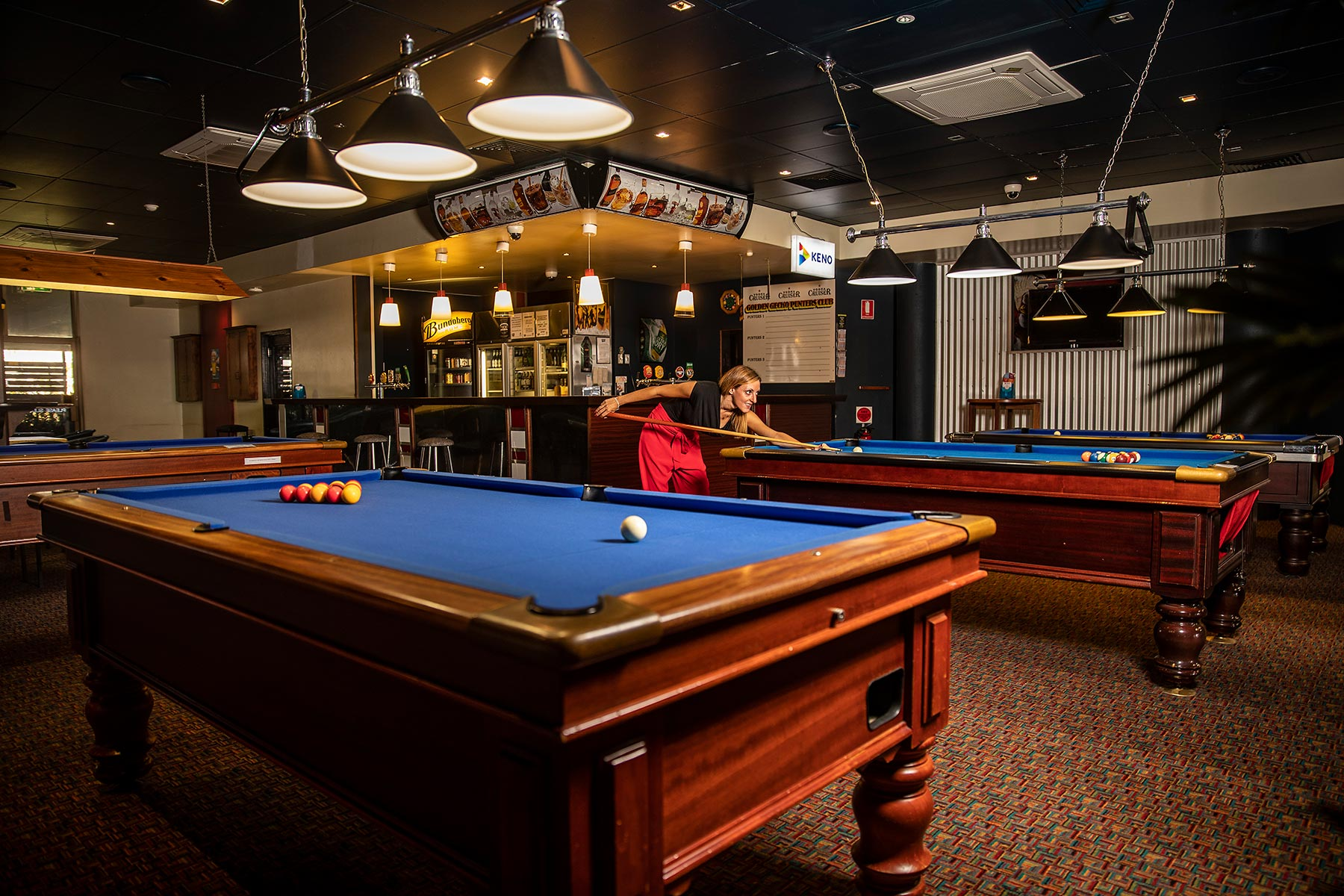 The Golden Gecko Hotel sports bar pool table